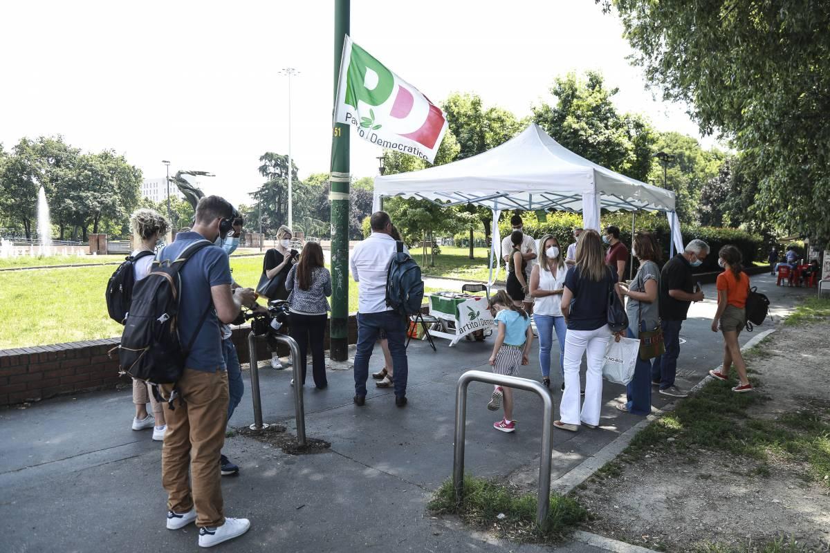 Primarie, il centrosinistra trova i candidati: Gualtieri per Roma e Lepore per Bologna