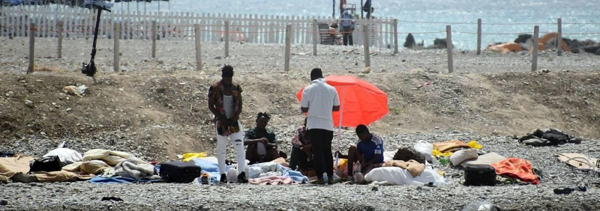 """Migranti, pressioni al confine con la Francia. """"Serve un centro rimpatri"""""""