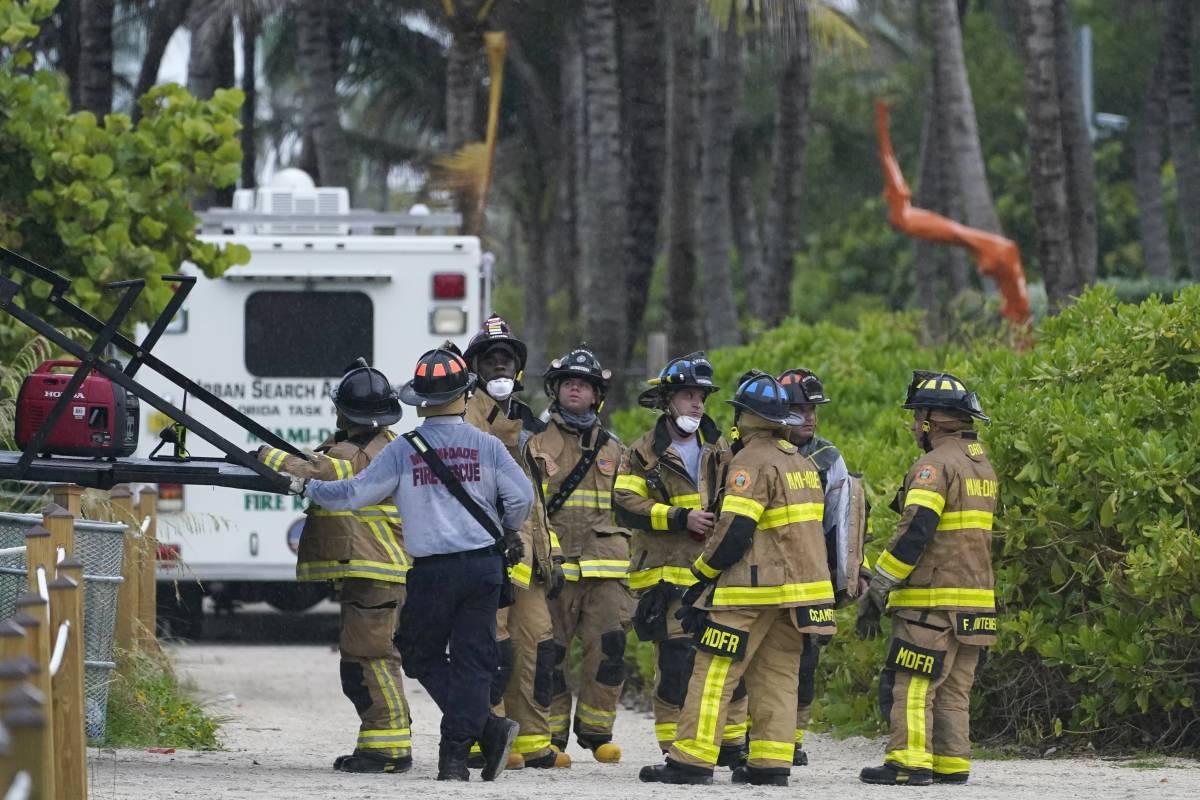 """Crollato un palazzo a Miami: """"Disastro, almeno 50 dispersi"""""""