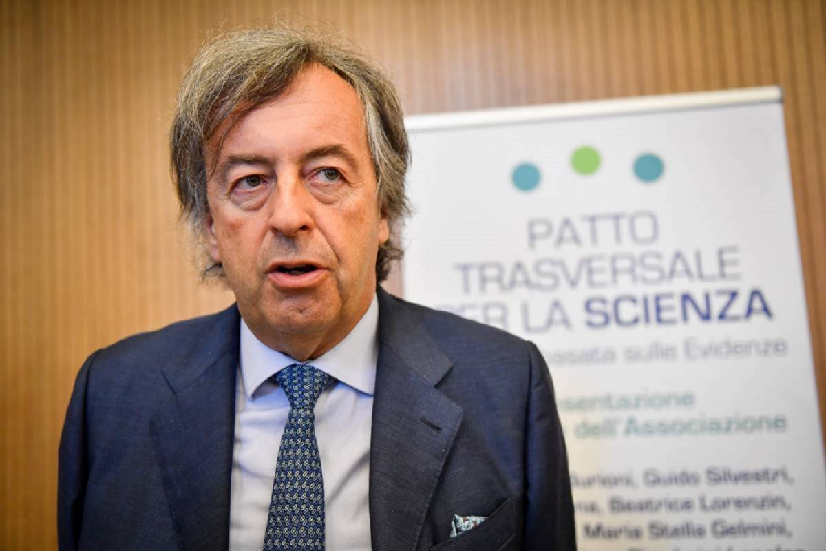 Il virologo Roberto Burioni