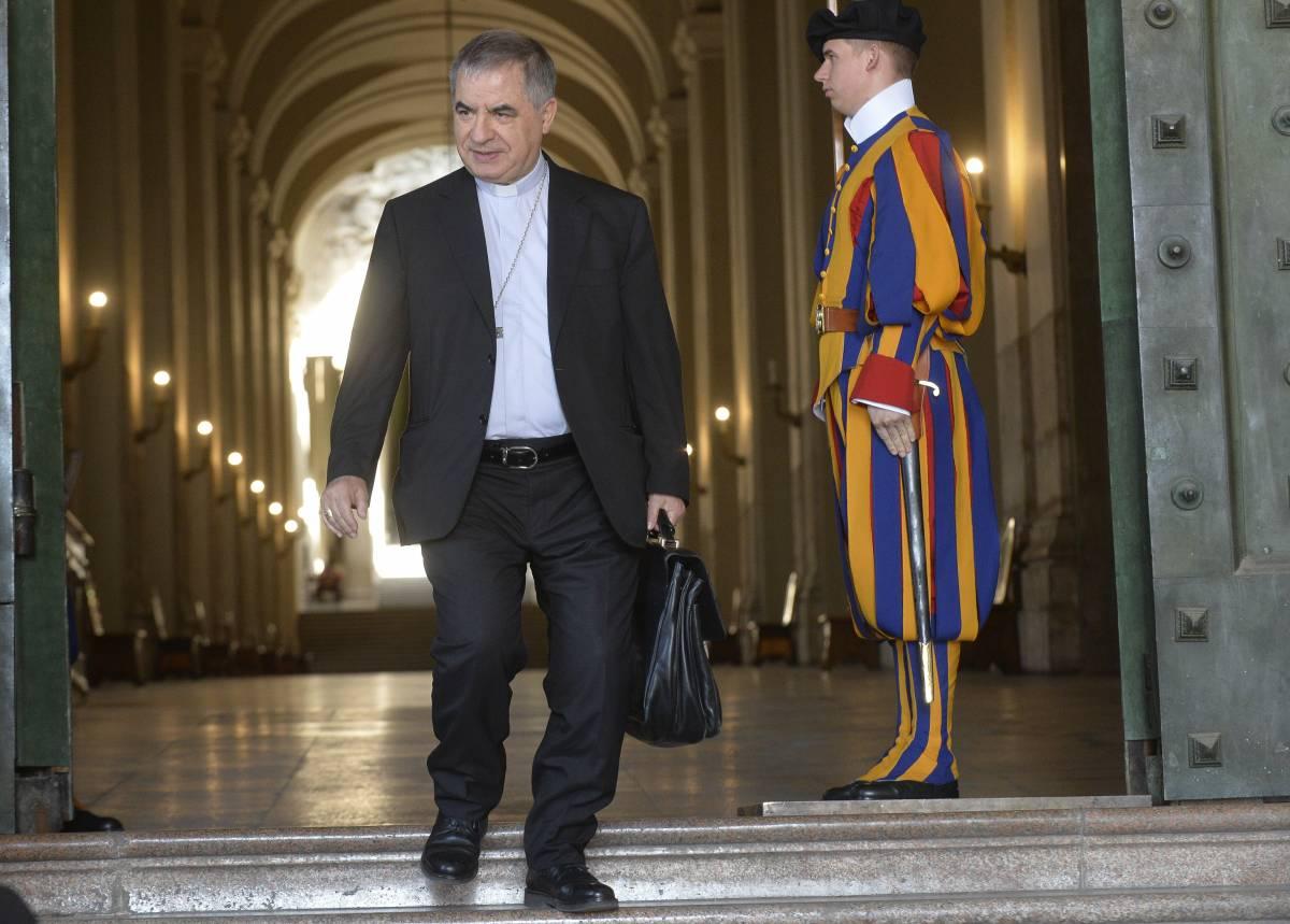 Scandali in Vaticano, Becciu a processo con altri nove