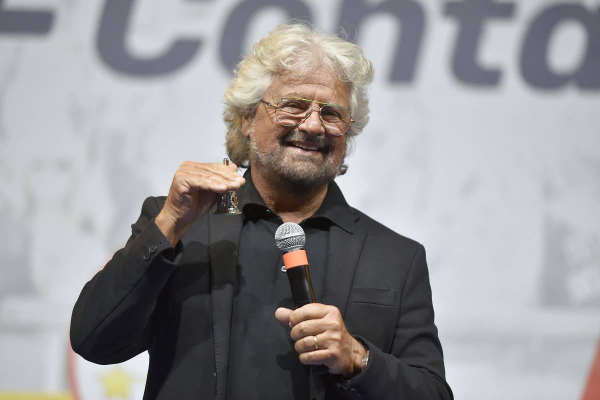 """L'ultima follia di Grillo: """"Reddito universale"""""""