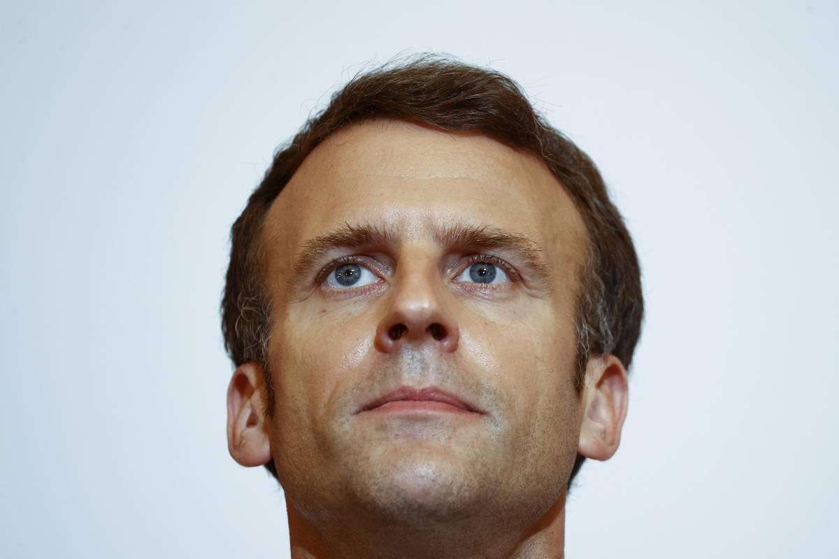 """Certificato o lockdown? L'aut aut ai francesi. """"Il vaccino è un dovere"""""""