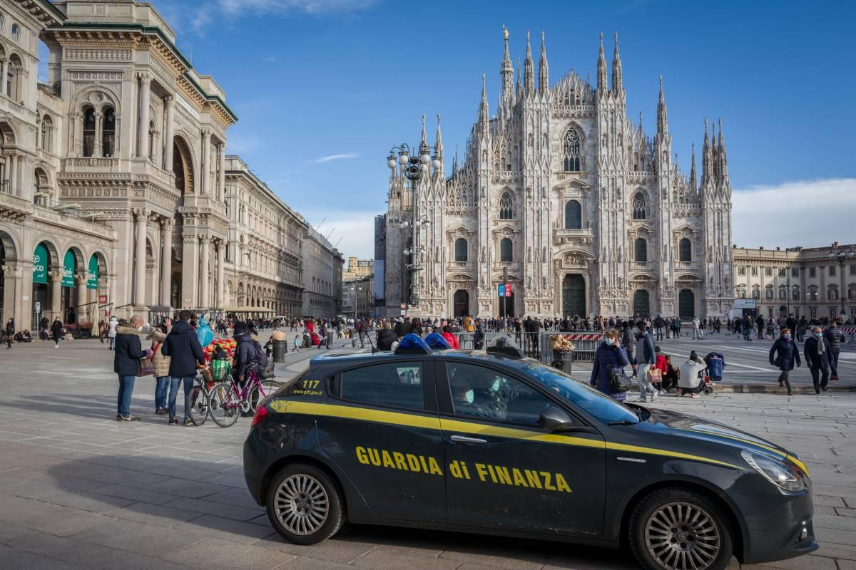 Lo sconcio del reddito grillino: 1.500 stipendi rubati a Genova