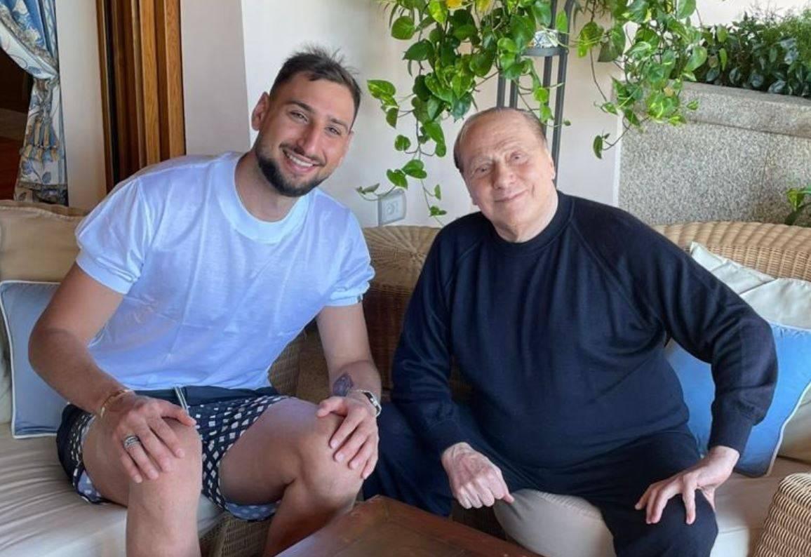 """Donnarumma e la foto con Berlusconi: """"Sempre un piacere"""""""