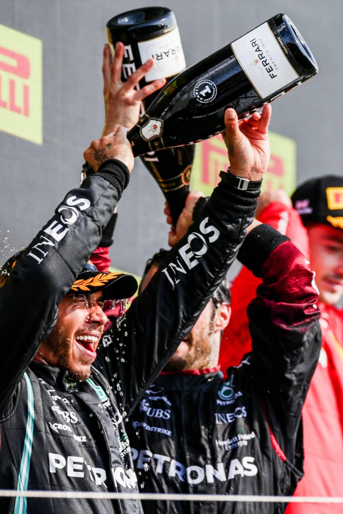 Insulti razzisti ad Hamilton dopo l'incidente con Verstappen
