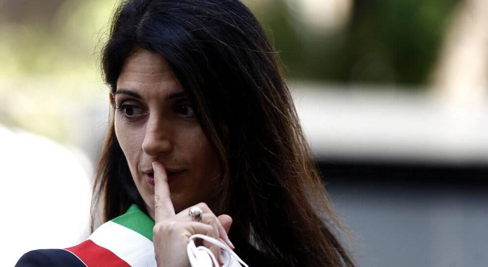 La gaffe di Virginia Raggi sul bombardamento di Roma
