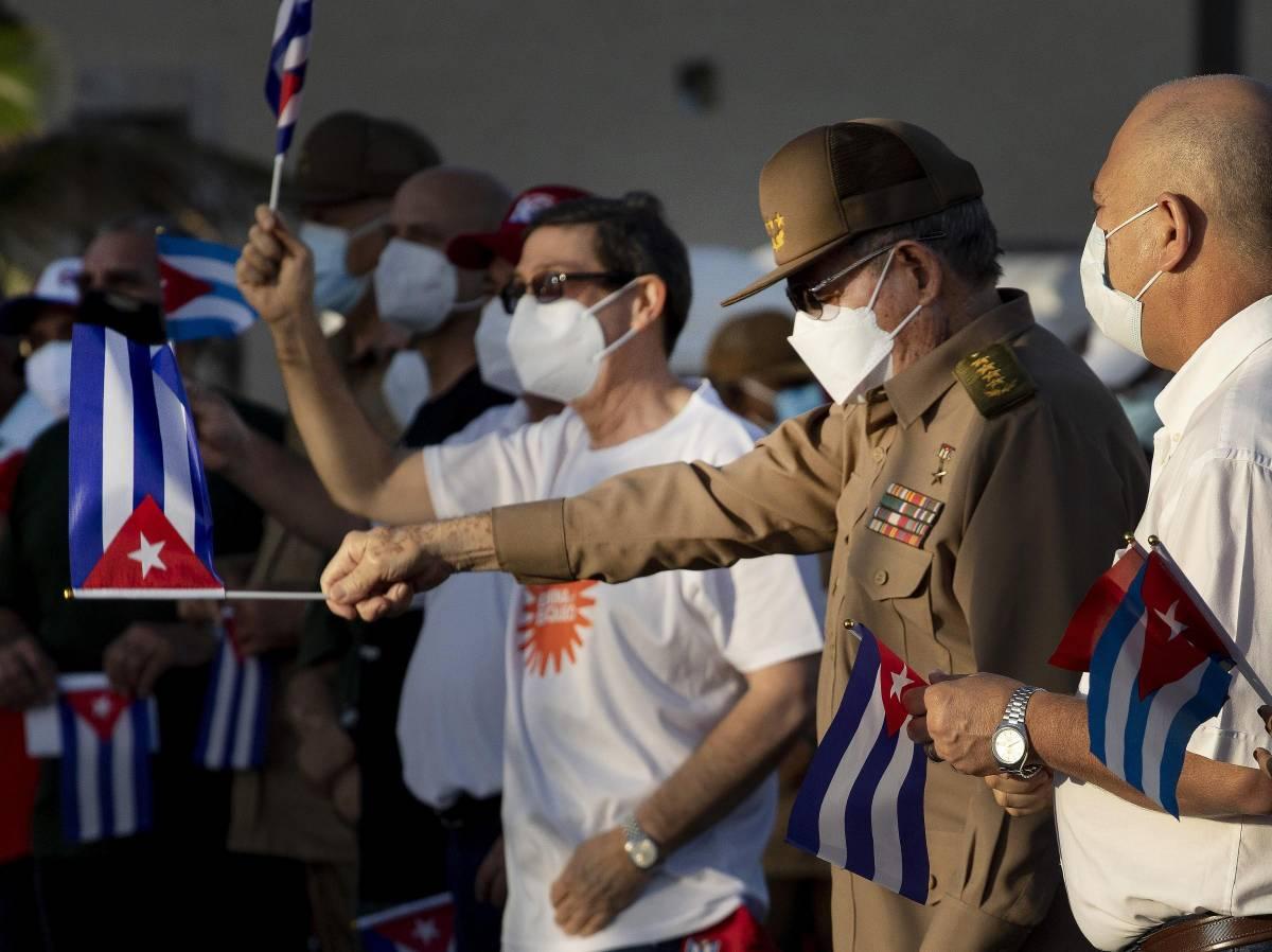 Cuba, il regime ha paura. Il piano di Raùl Castro per fuggire in Sudafrica