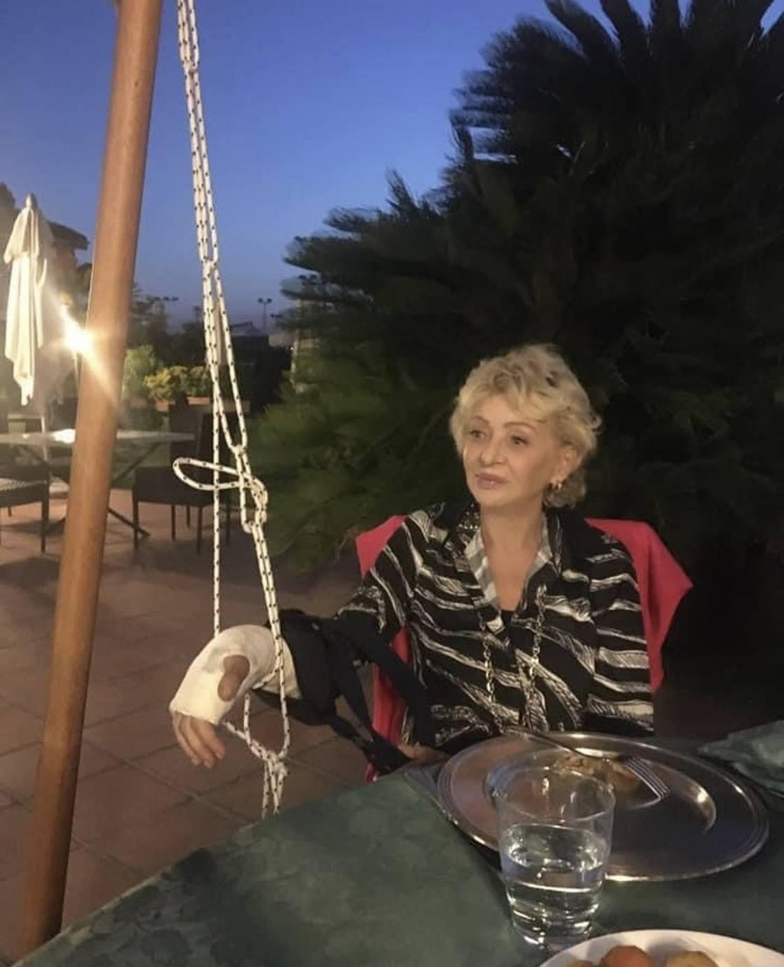 """Notte al pronto soccorso per Enrica Bonaccorti: """"Dramma, però sorrido"""""""