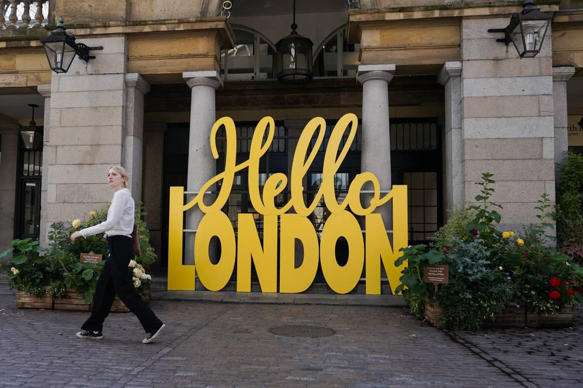 Londra, il Covid rallenta: casi a -47%. E Johnson sorride dopo il luglio nero