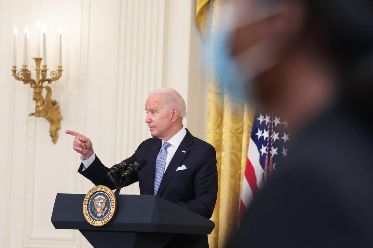 """""""Non possiamo restare all'infinito"""". E Biden scarica su Trump"""