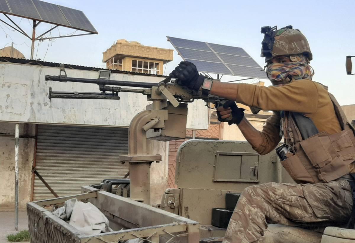 """Cade Herat, il fortino italiano. Ma c'è chi resiste: """"Fino alla morte"""""""