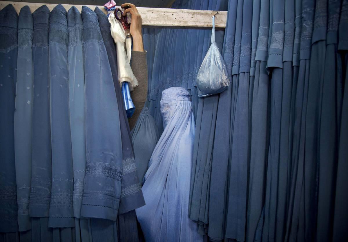 Chi si inginocchia per le donne afghane?