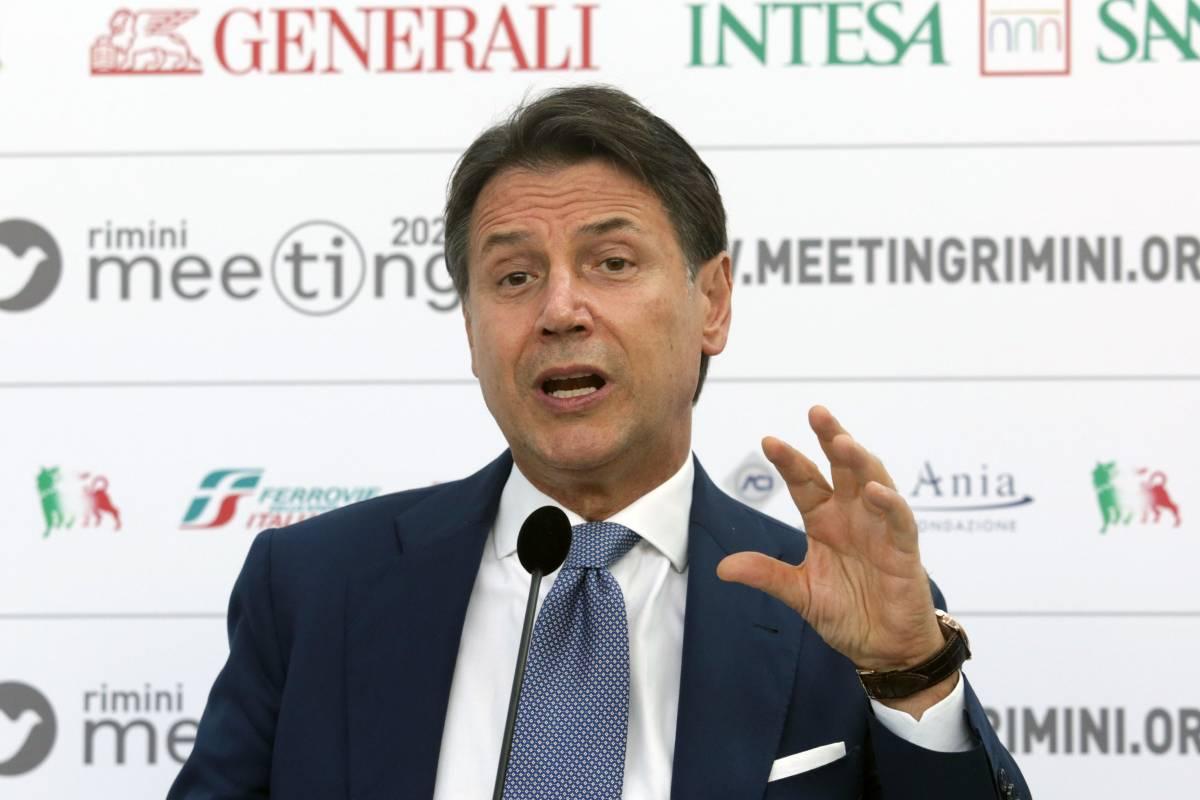 """Conte alza i toni: """"Salvini? Sui migranti fece peggio"""""""