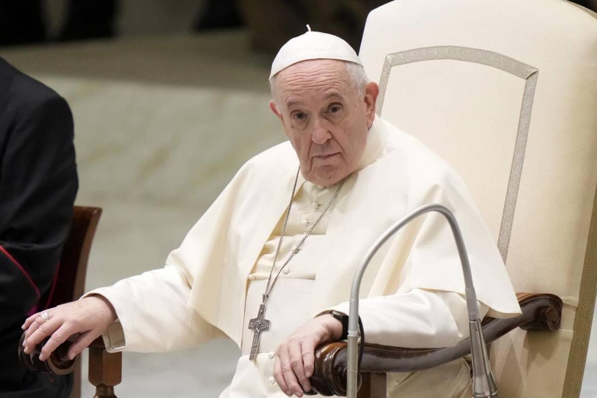 """Dal gran rifiuto all'incontro """"spirituale"""". Il Papa vede Orbán per tenersi il clero"""