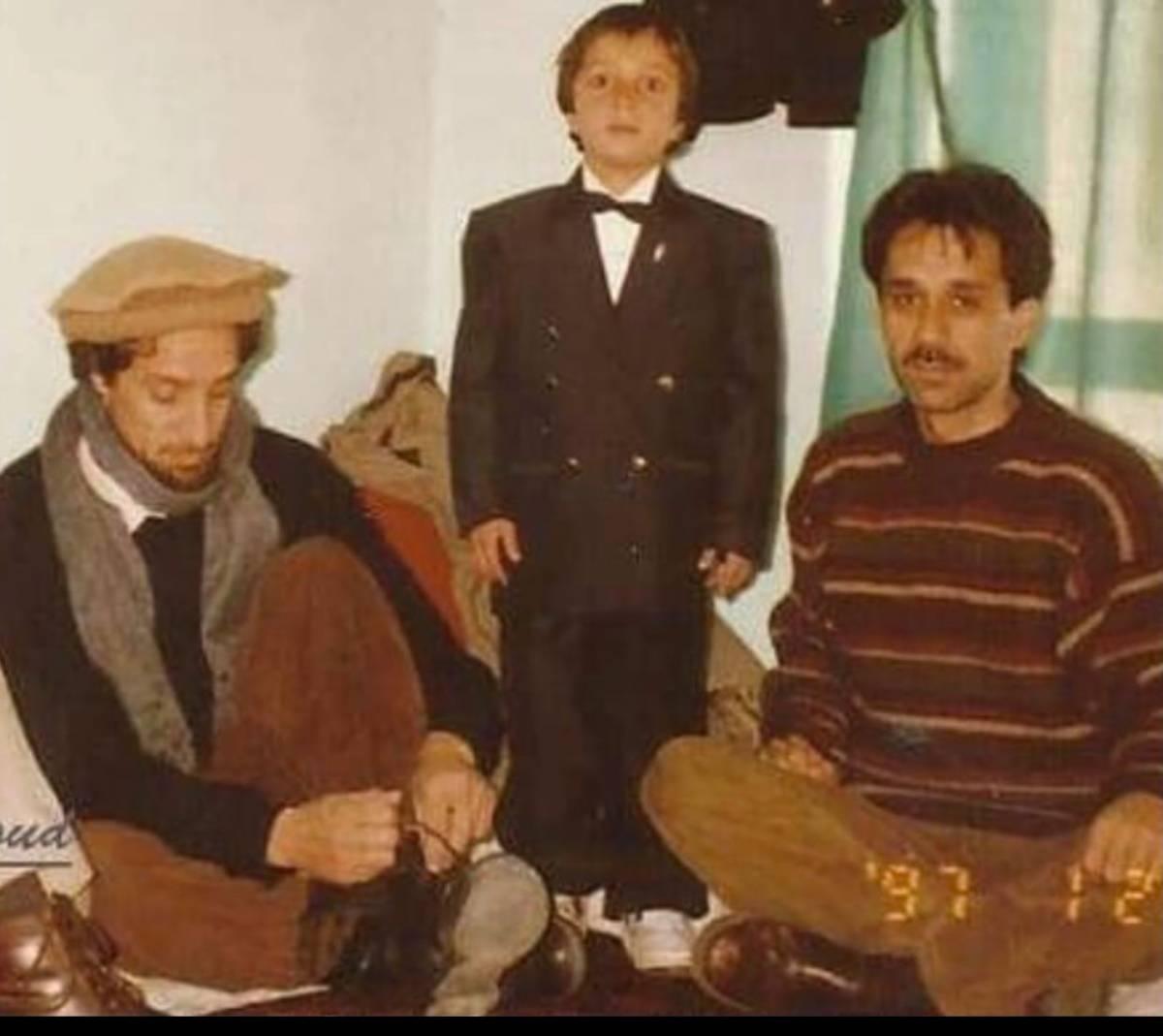 """""""Profanata la tomba del leone Massoud. L'orrore nell'anniversario della morte"""""""