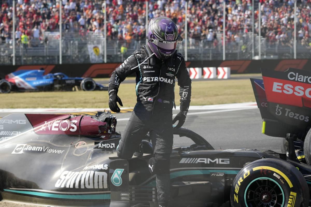 F1, miracolo nel parco: Hamilton rischia la pelle nella sfida fra scorretti
