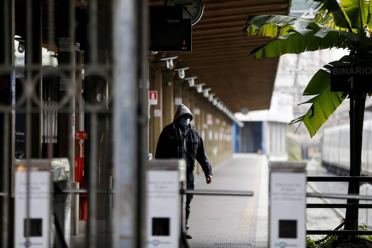 Turista francese perde il treno e dorme in stazione: marocchino tenta di stuprarla