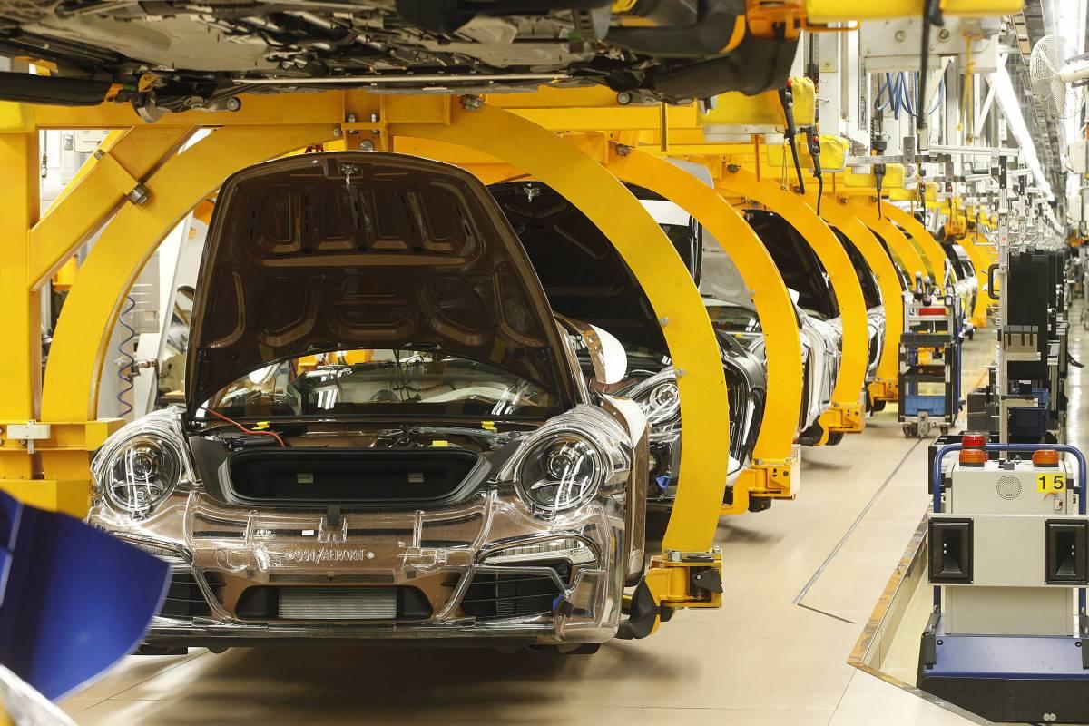 Europa, cercasi chip per auto. Si profila un fine 2021 nero
