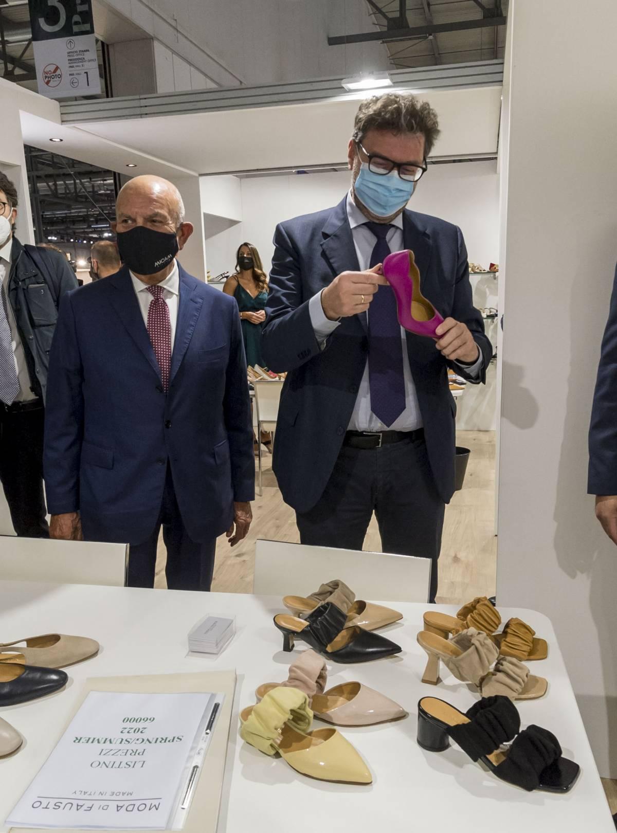 Giorgetti in fuga da Salvini. E Landini fa la resistenza