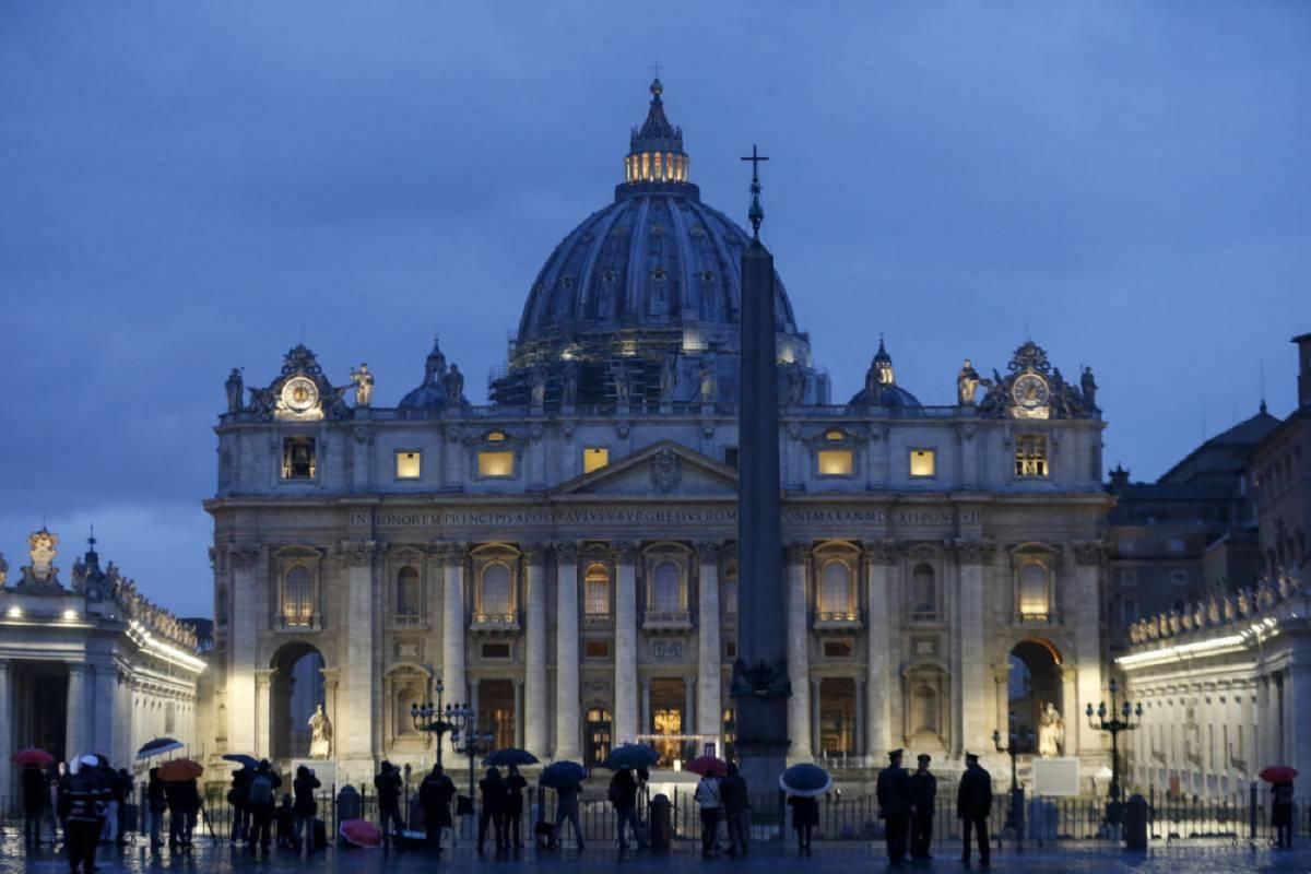 """Immunità al Vaticano: """"Non si può denunciare per gli abusi sessuali"""""""