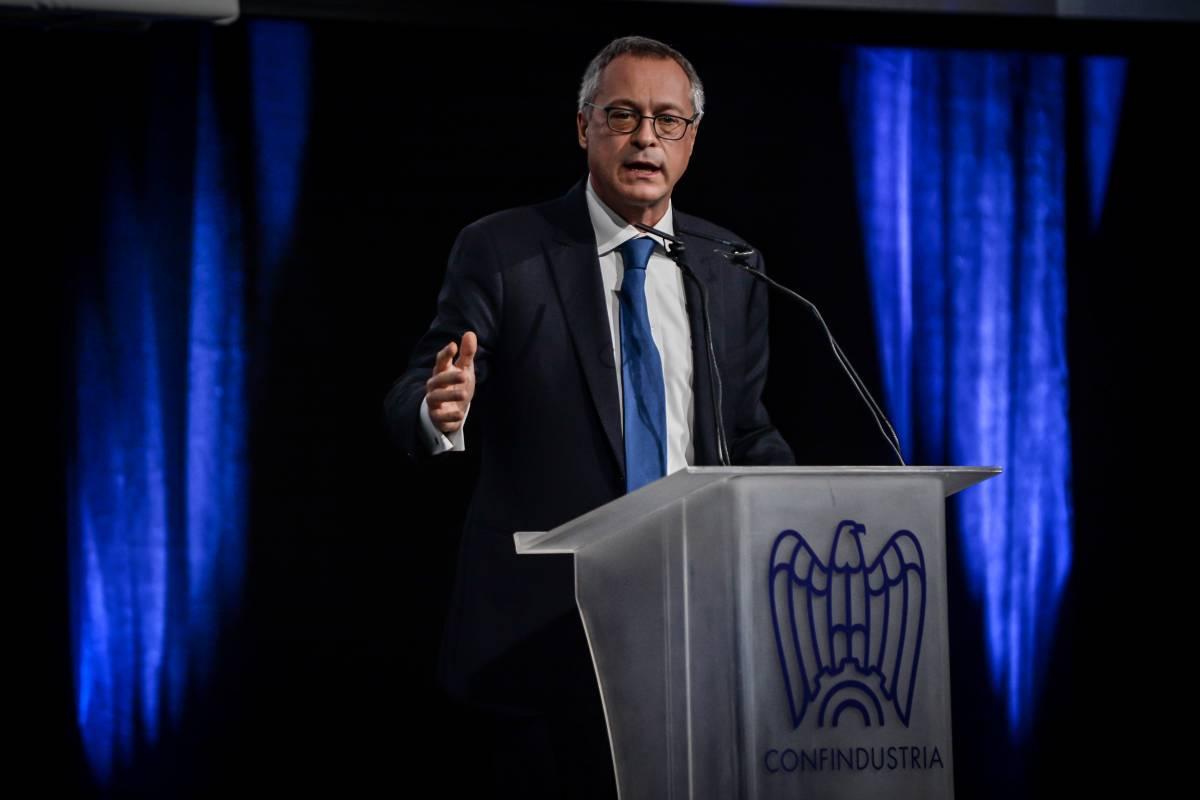 """La bordata di Bonomi alla politica: """"Basta flirt coi No Vax"""""""