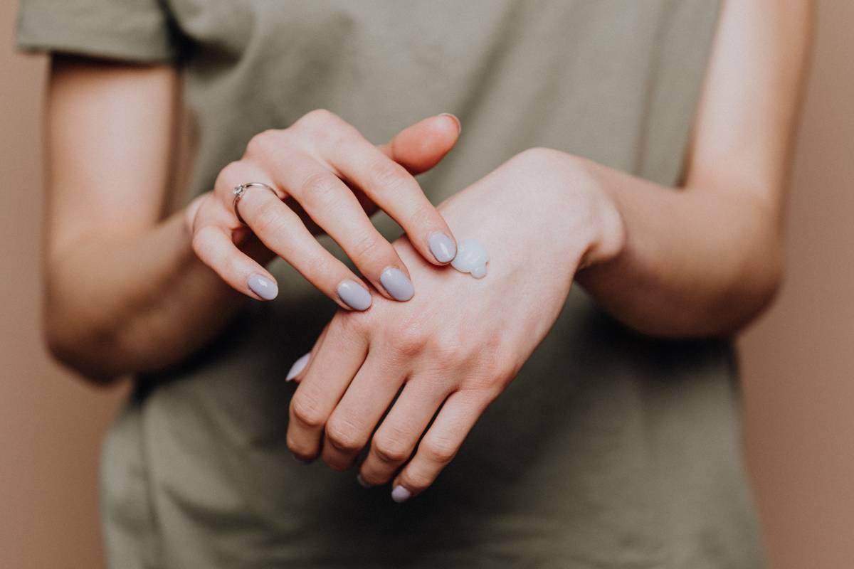 Manicure perfetta a 60 anni: idee e consigli