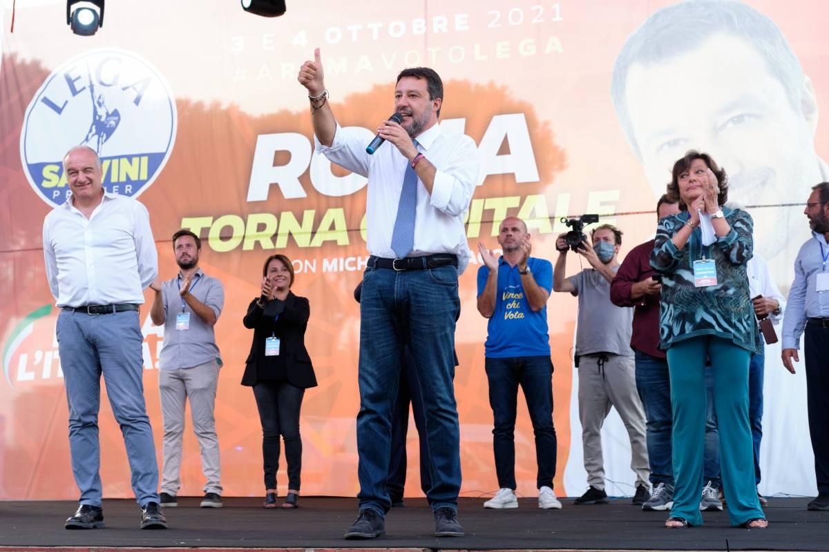 """Salvini: """"Accusato da Richard Gere, sarà al processo"""""""