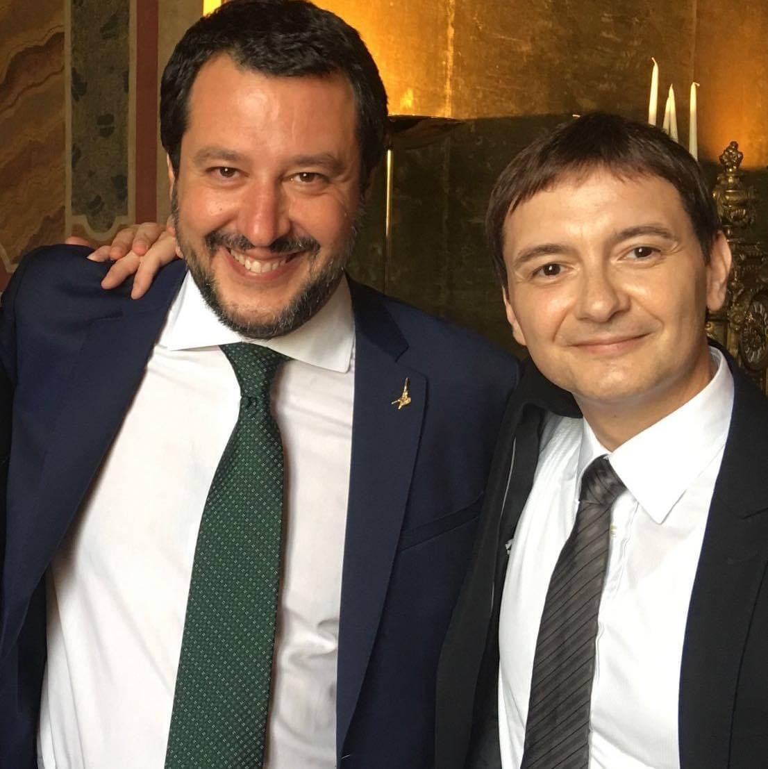 """Morisi indagato, Salvini: """"Un amico. Conta su di me"""""""