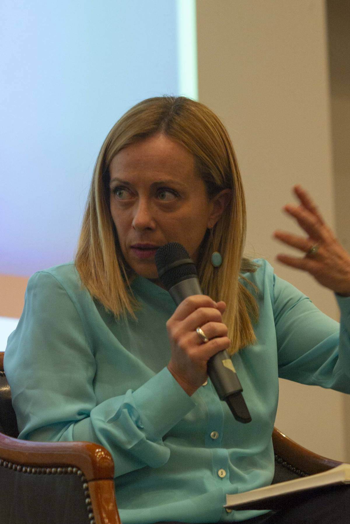 """""""FdI fuori dall'arco costituzionale"""". L'accusa choc del vicesegretario Pd"""