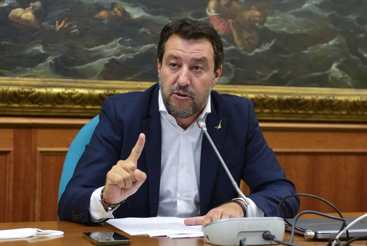 """Salvini smaschera la sinistra: """"Antifascista, ma vi dico perché non andremo in piazza"""""""