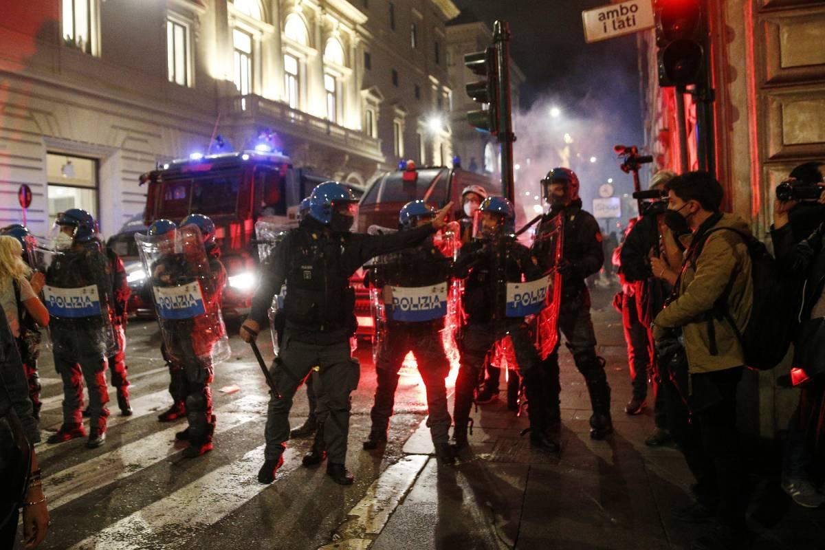 """""""In piazza con la Cgil"""", """"Non con la sinistra"""": si riaccende lo scontro"""