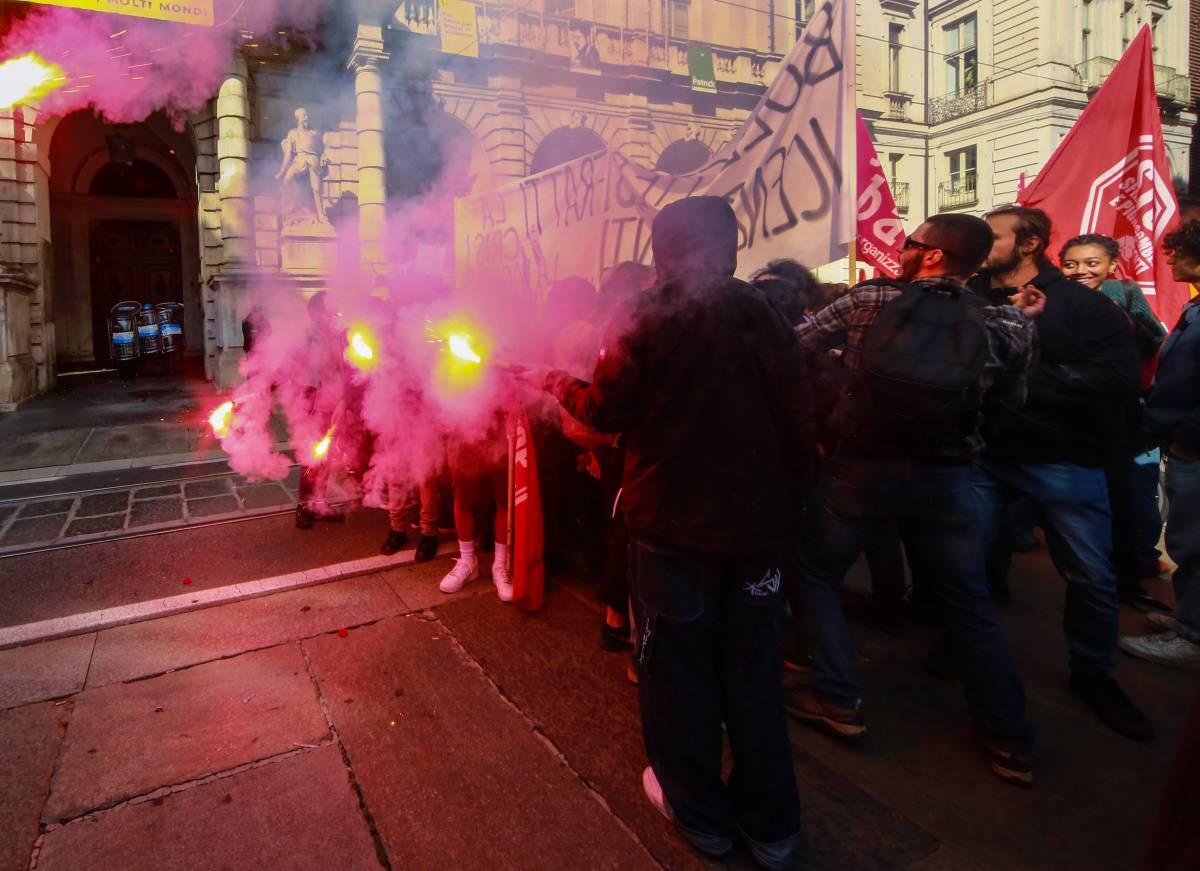 Ecco chi sono i veri violenti: estremisti rossi e anarchici. Lo dice lo studio Ue