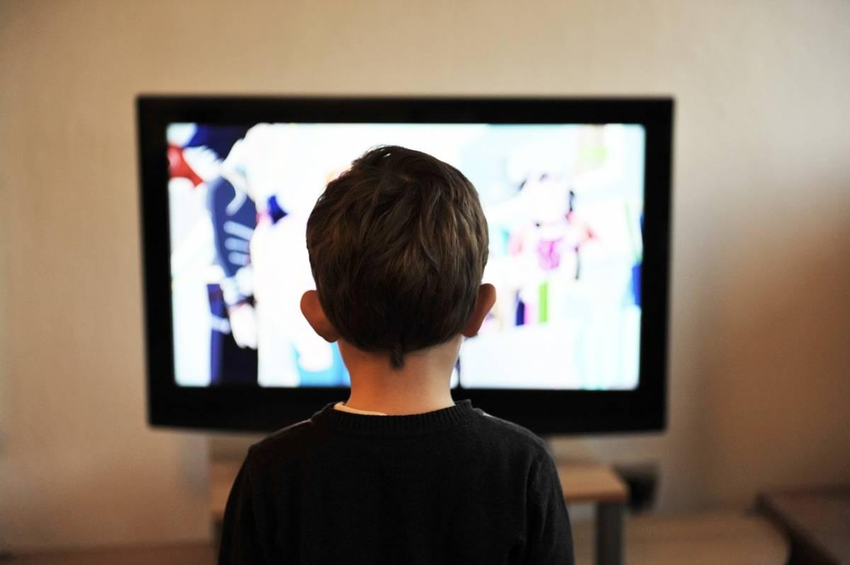 Miopia giovanile, occhio al tempo trascorso davanti allo schermo