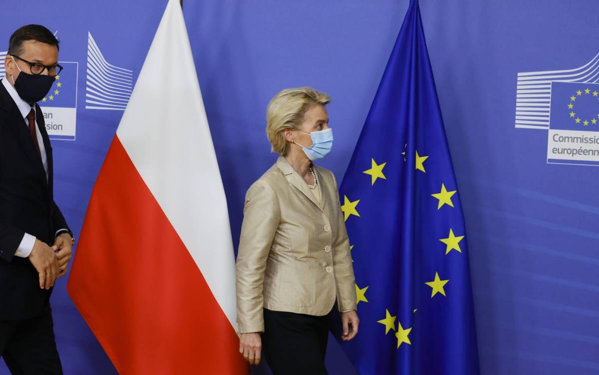 """Ora è """"guerra diplomatica"""": l'Europa mette nel mirino la Polonia"""