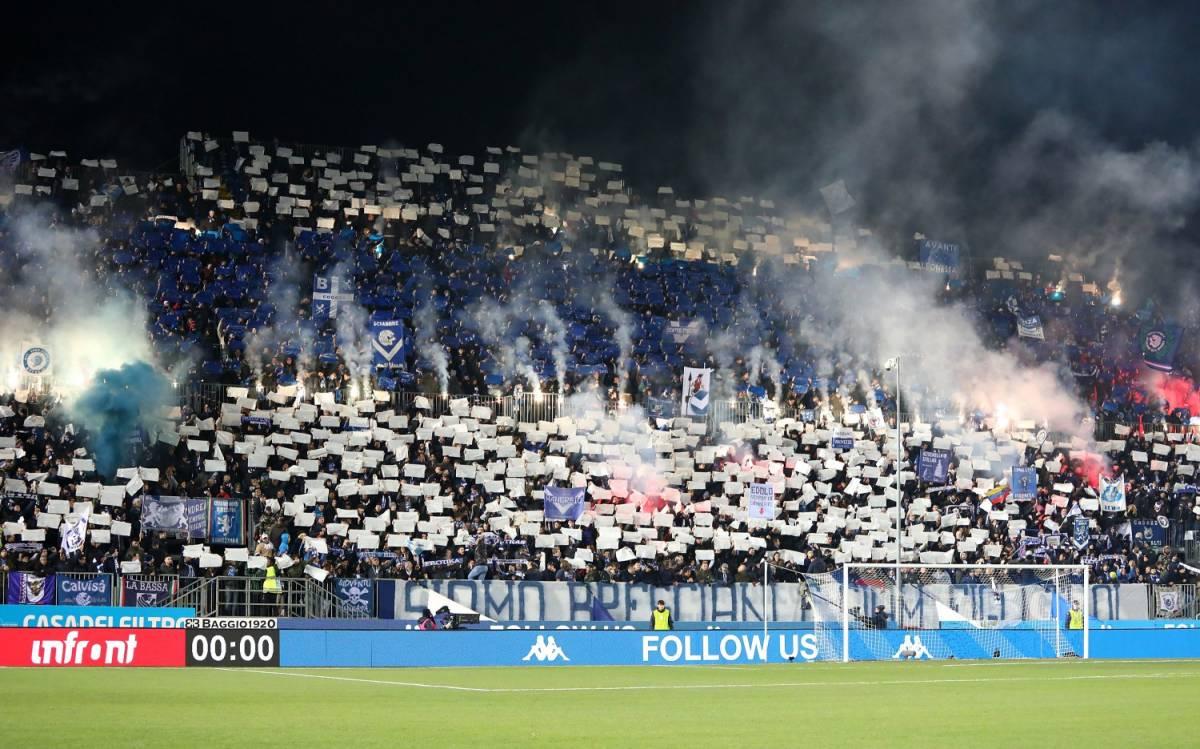 Il Napoli ribalta il Brescia, notte al sesto posto