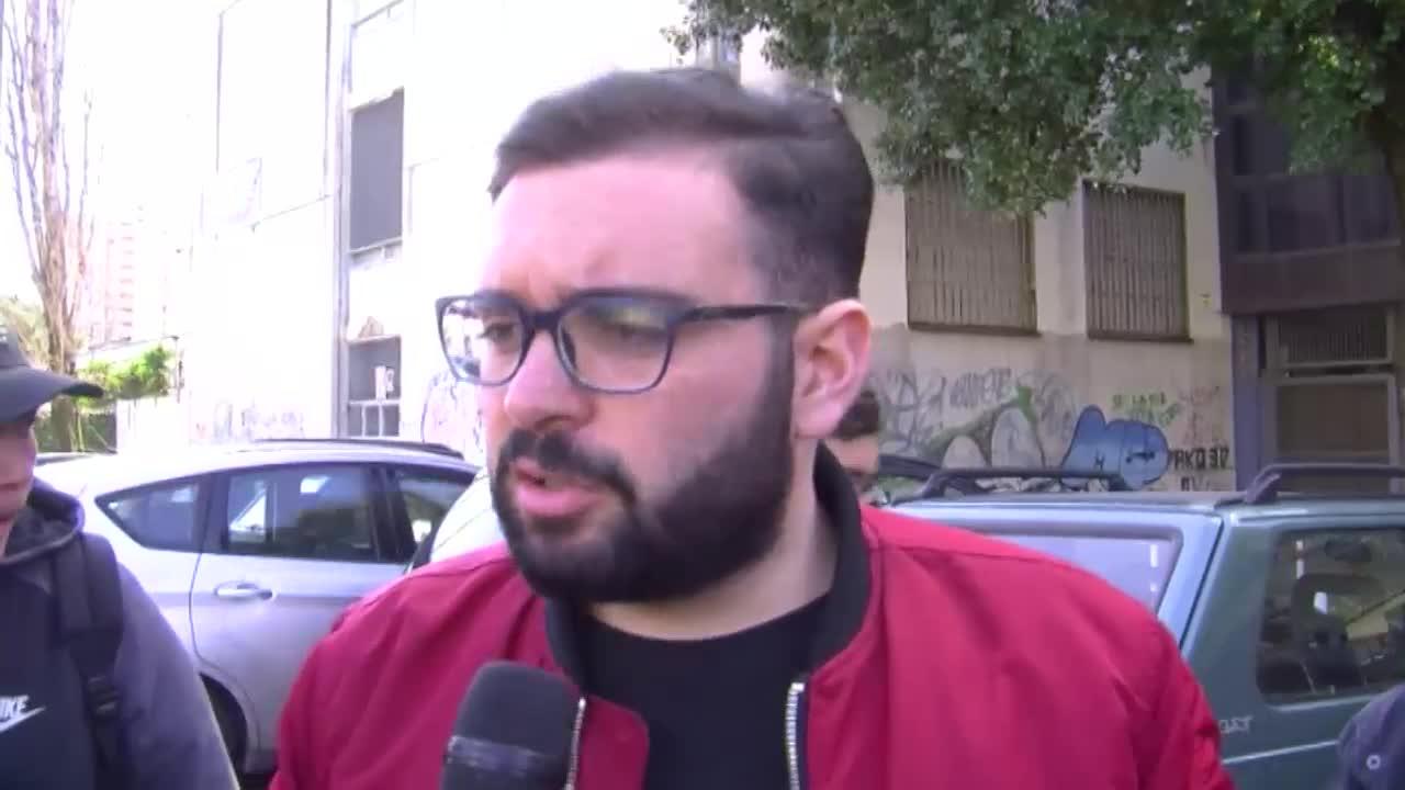 Napoli, studenti intossicati dai roghi di rifiuti a Scampia