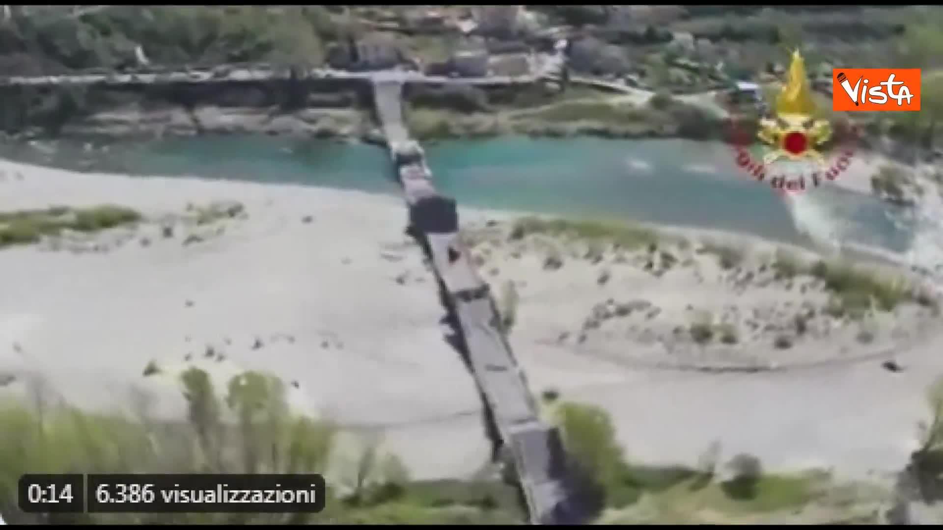 Crollo ponte, le immagini del disastro visto dall'alto