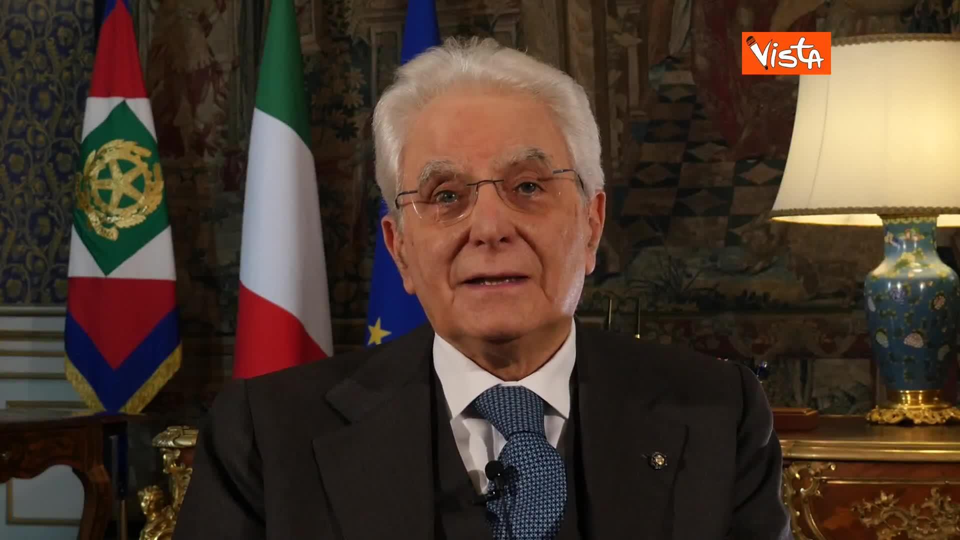 """Mattarella: """"Sarà Pasqua in solitudine per molti, anche per me, ma non possiamo fermarci ora"""""""