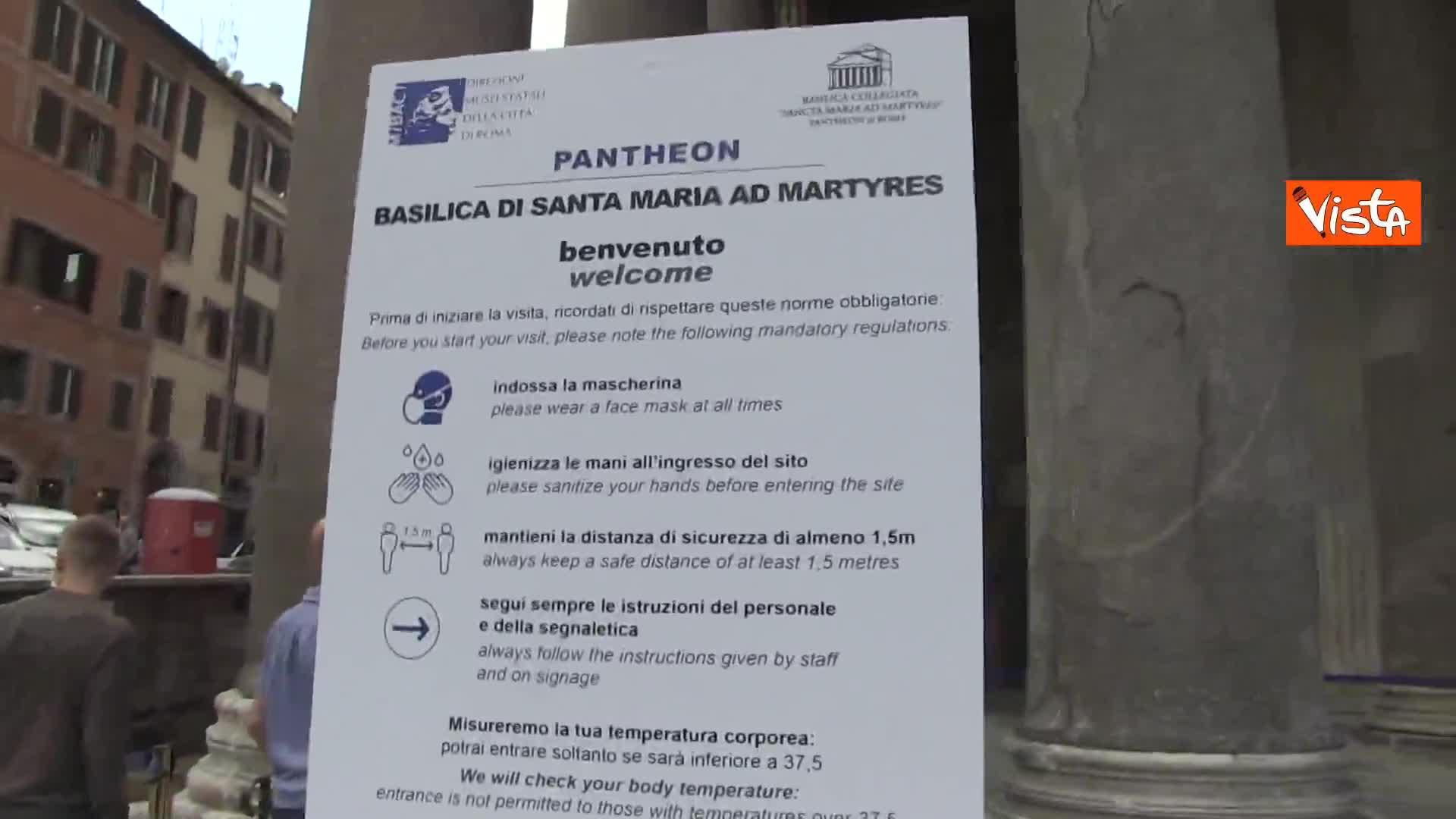 A Roma riapre il Pantheon, turisti in fila per visitare il monumento