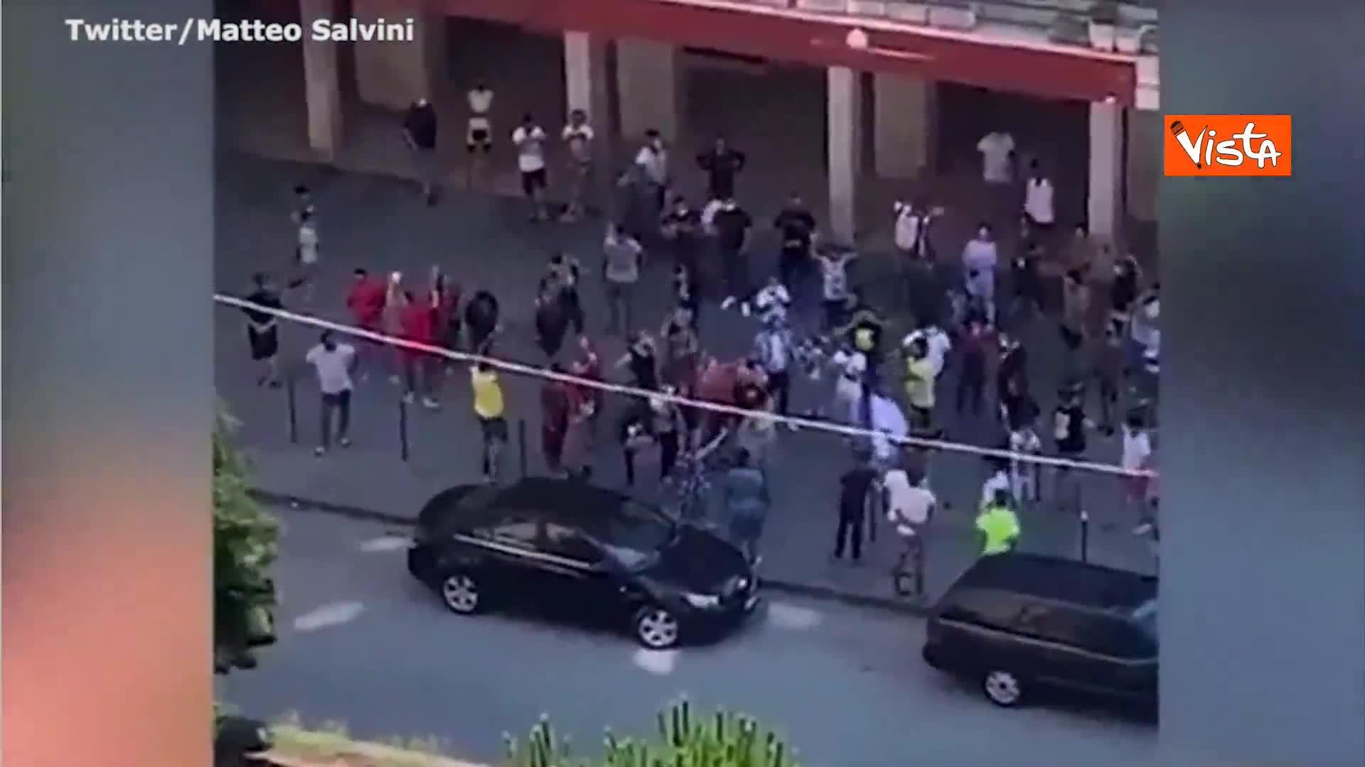 Mondragone, proteste e tensioni nella zona rossa, esercito in strada