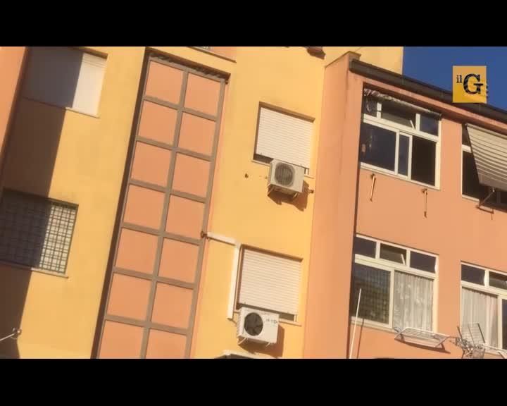 """La mano dei rom sugli alloggi popolari: """"Se ti allontani ti occupano casa"""""""