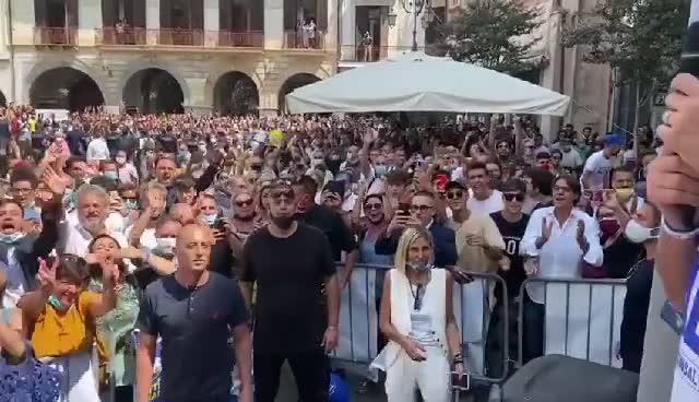 Il comizio di Salvini a Cava de' Tirreni