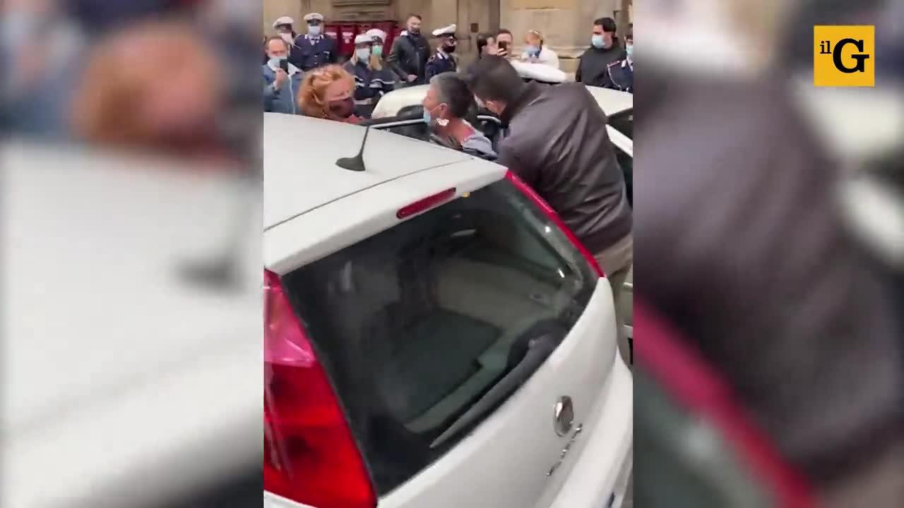 Arrestata perché non indossa la mascherina