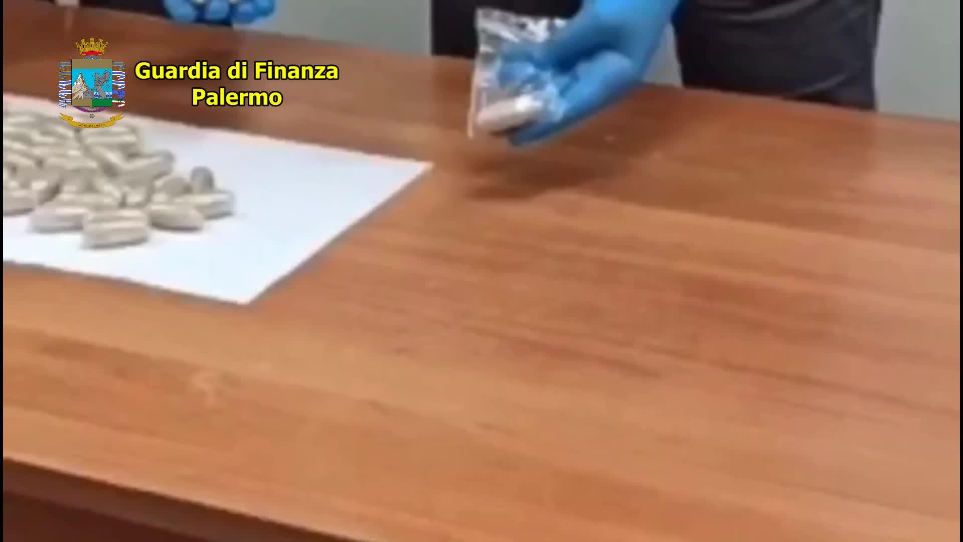 La droga nello stomaco: così il nigeriano la importava in Italia