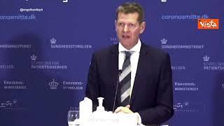 AstraZeneca, presidente Agenzia del farmaco danese sviene durante conferenza stampa