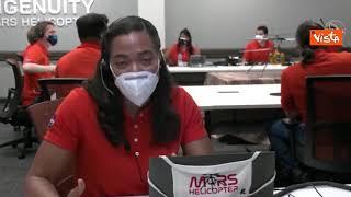 Il drone Ingenuity vola su Marte, gli applausi della Nasa