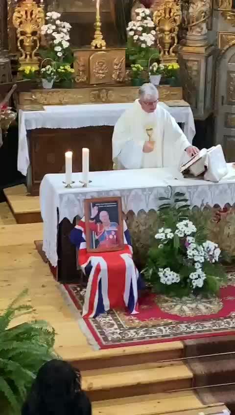 La messa per il principe Filippo: il paesino italiano lo ricorda
