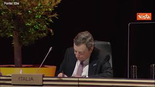 Vertice di Porto, Draghi prende appunti prima della riunione
