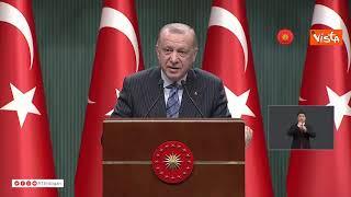 """Erdogan attacca Biden: """"Hai le mani sporche di sangue"""""""